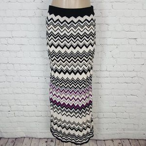 White House Black Market Full Chevron Skirt S